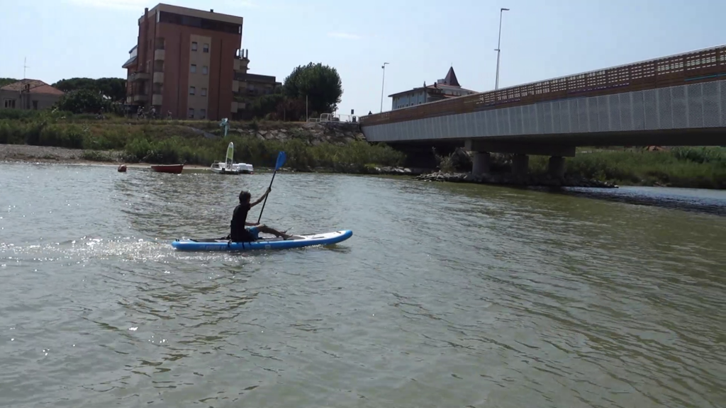 SUP gonfiabile bluefin cruise usato come kayak